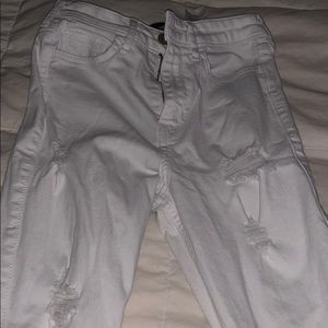 white hollister ripped skinny jeans